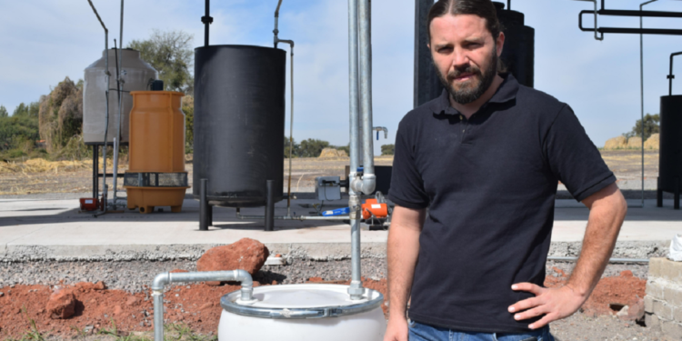 Los emprendedores necesitaron un kilo de plástico para producir un litro de gasolina o diésel