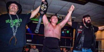 Joven luchador muere por Covid-19 en RU