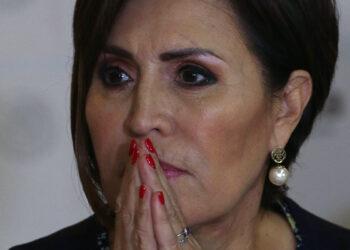 Rosario Robles acepta cooperar con la FGR
