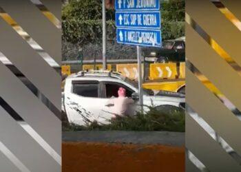 Un conductor se dio a la fuga para no pagar una multa y atropello a una mujer