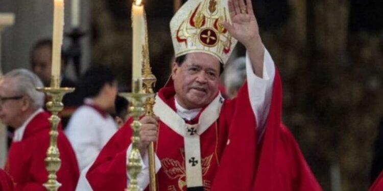Analista afirma que el cardenal Norberto Rivera no tiene para costear tratamiento contra Covid-19