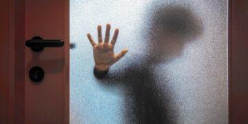 Madre descubre a su sobrino cuando abusaba sexualmente de su hijo