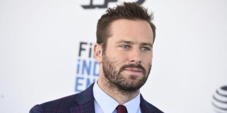 El actor estadounidense cerró los comentarios de sus redes sociales y abandonó la producción en la que participaba