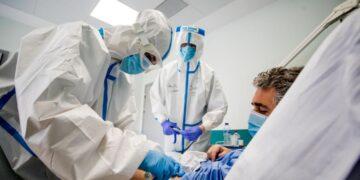 Aseguradoras no cubrirán gastos de pacientes que consuman dióxido de cloro para curar covid-19