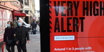 Boris Johnson mencionó que hay evidencias de que las vacunas aplicadas en Reino Unido son efectivas contra esta variante