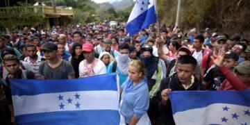 México reforzó la seguridad militar, policial y migratoria en su frontera con Guatemala para evitar el paso de migrantes hondureños