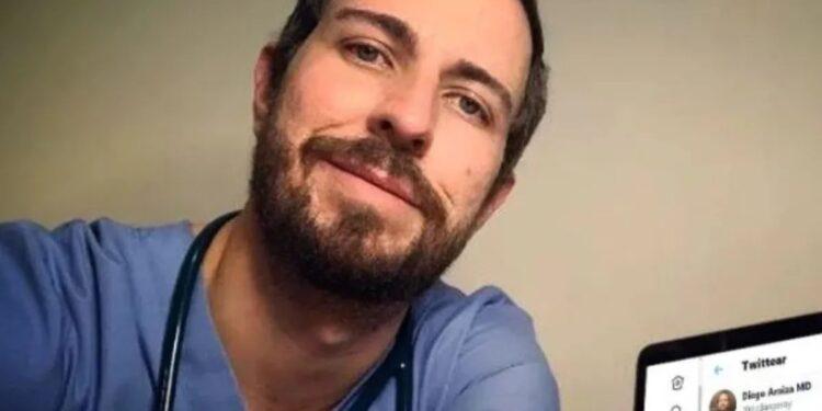 El cardiólogo Diego Araiza Garaygordobil fue criticado por desearle una trombosis AMLO,