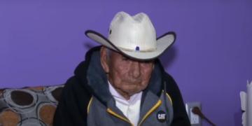 Don Manuel vive con su hija en Ciudad Juárez, Chihuahua, y quiere vivir más años, si Dios le da salud