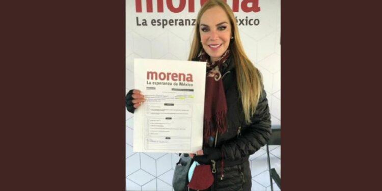 Gabriela Goldsmith ocupa un cargo político en el Ayuntamiento de Naucalpan, Estado de México