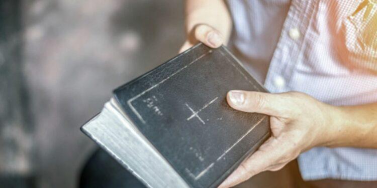 Grupo religioso vende sus pertenencias para aislarse en espera de la venida de Jesús