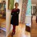 Mujer usa el mismo vestido por 100 días para ayudar al planeta