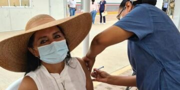 Internautas se lanzaron contra Patricia Batani y la criticaron por haber recibido la vacuna