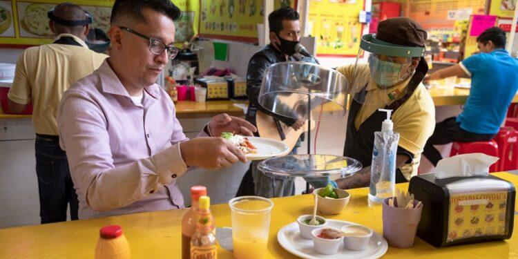 A partir del lunes 18 de enero se registrará una reapertura gradual de restaurantes en la CDMX